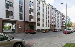 Izīrē, Dzīvoklis, Hospitāļu iela  39, Rīga, Centrs
