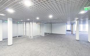 Izīrē, Komerctelpas, Brīvības iela   171, Rīga, Centrs